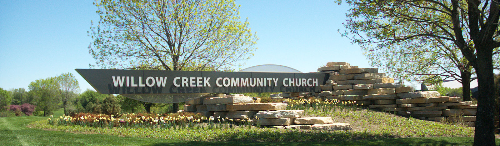 Willow Creek Community Church sign